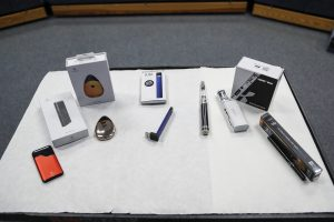 Lawmakers urge FDA to immediately pull Juul, other e-cigarettes from the market