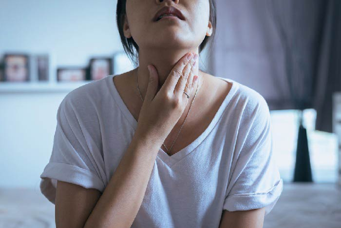 throat hurts after wisdom tooth removal